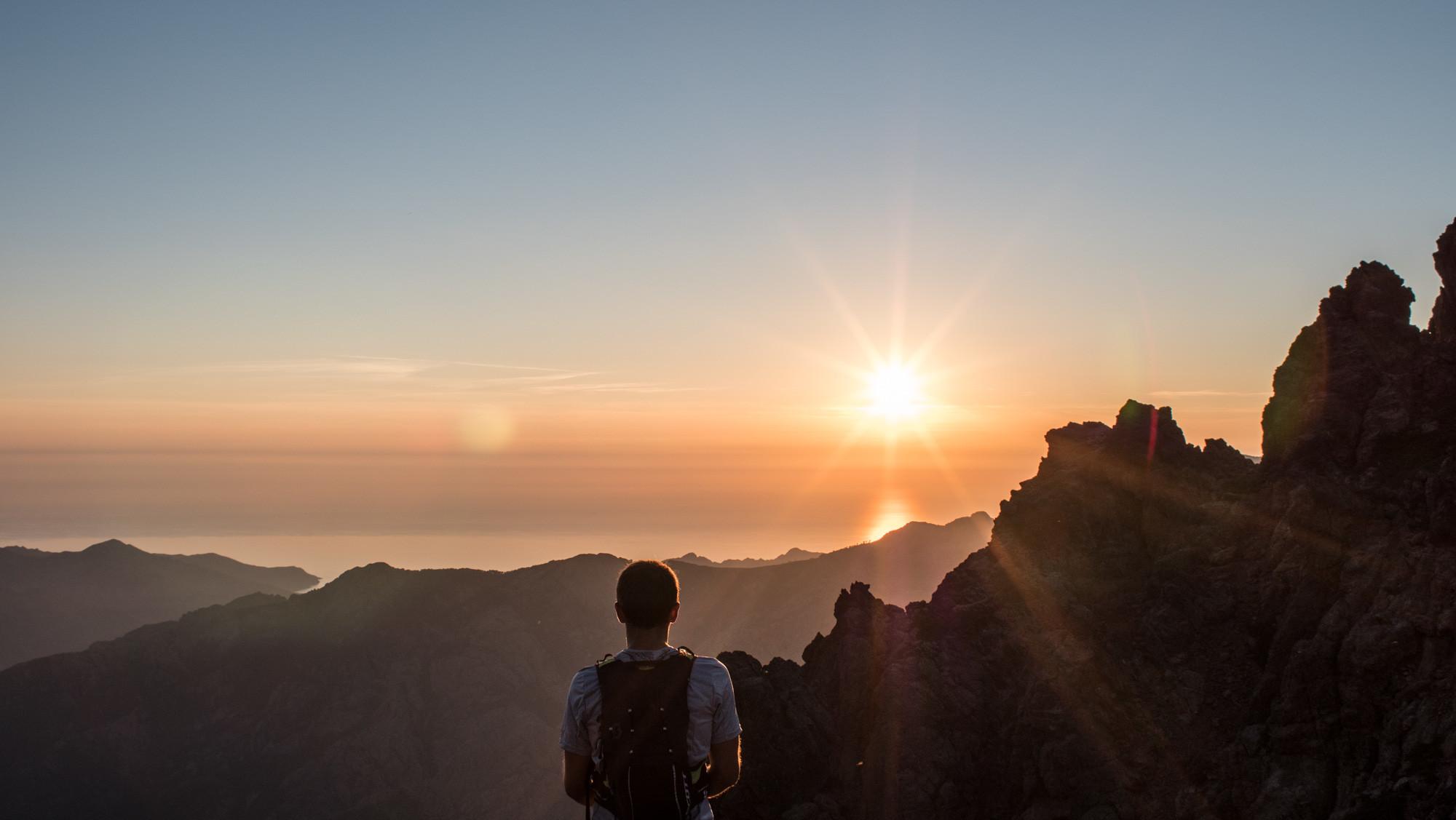 Sur le GR20, vallée d'Asco en Corse. ©Guillaume Desmurs